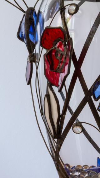Anniversary Vase Detail