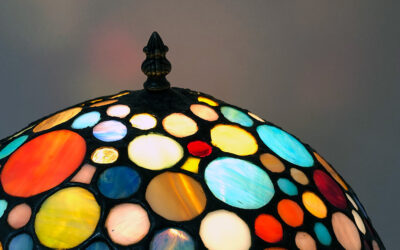 Tiffany lamp repair: reviving the circles shade