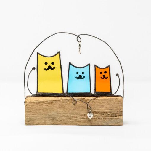 Cat trio sculpture