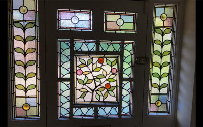 Stained glass window repair in situ